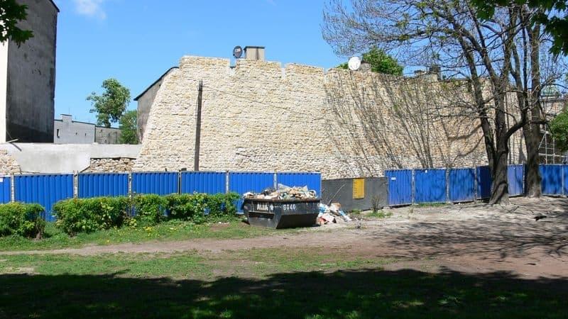 Remont murów miejskich Zawale -1